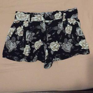 ARITIZIA TALULA shorts
